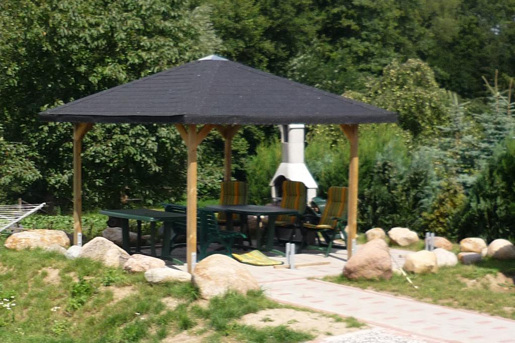 uberdachter grillplatz im garten – reimplica, Garten und Bauen